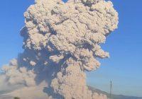 Gunung Sinabung Kembali Meletus, Luncurkan Awan Panas Sejauh 4,5 Kilometer